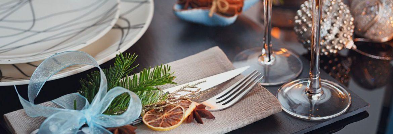 A Christmas Table setting example