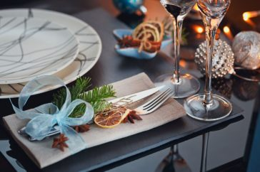 A Christmas Table setting example